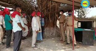 जौनपुर। रामपुर थानाध्यक्ष अश्वनी दुबे ने कहा कि शासनादेश से बैठाए मूर्तियां चौकीदारों की लिया बैठक