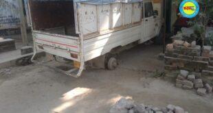 जौनपुर। घर के सामने खड़ी पिकअप का टायर खोल ले गए चोर