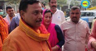 जौनपुर। राजकुमार सिंह लाइफ लाइन हॉस्पिटल का उद्घाटन विधायक हरेंद्र सिंह एवं विशिष्ट अतिथि रुकसाना कमाल फारुकी ने फीता काटकर किया